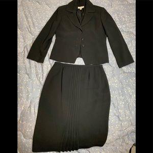 Amanda Smith Skirt Suit